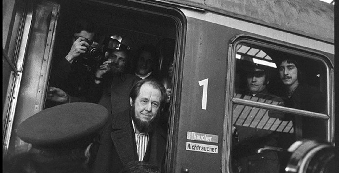 Soljenitsyne arrivant à Zurich